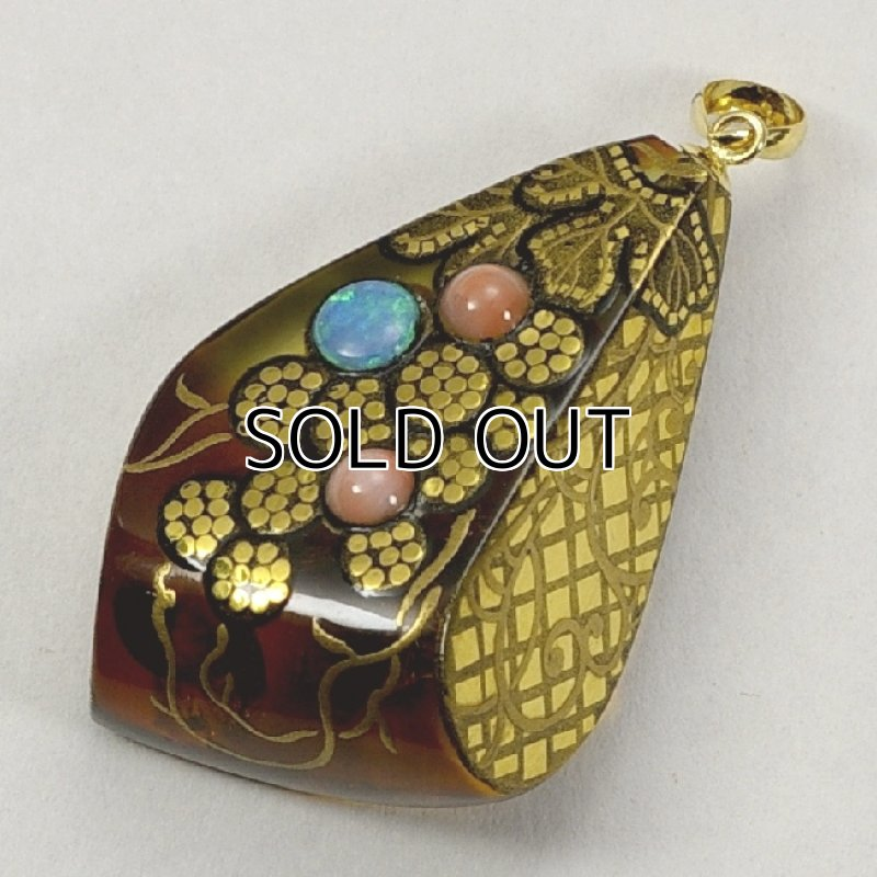 "Photo1: Pendant ""Grape"" Maki-e Jewelry Amber Japanese (1)"