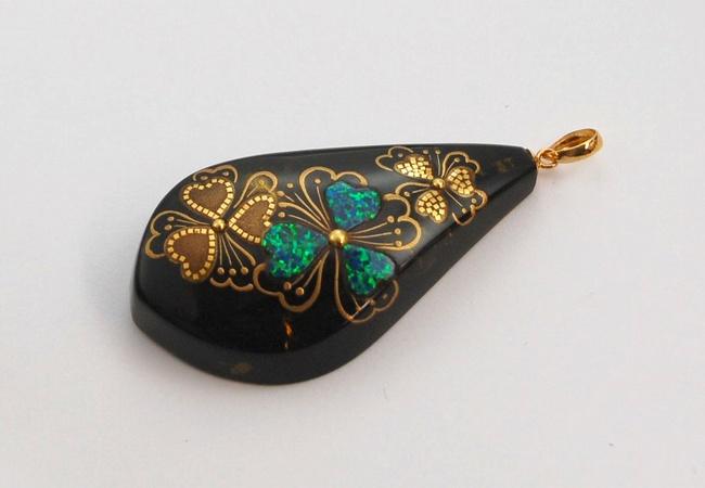 """Photo1: Pendant """"Flower pattern"""" Maki-e Jewelry Amber Japanese (1)"""