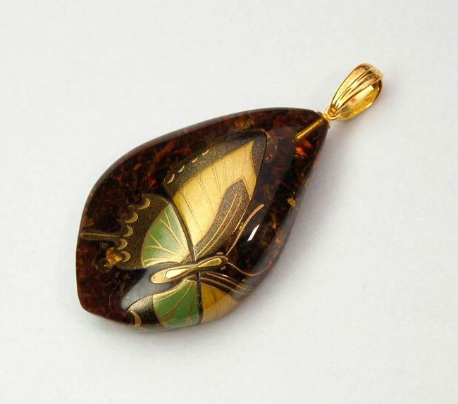 """Photo1: Pendant """"Butterfly"""" Maki-e Jewelry Amber Japanese (1)"""
