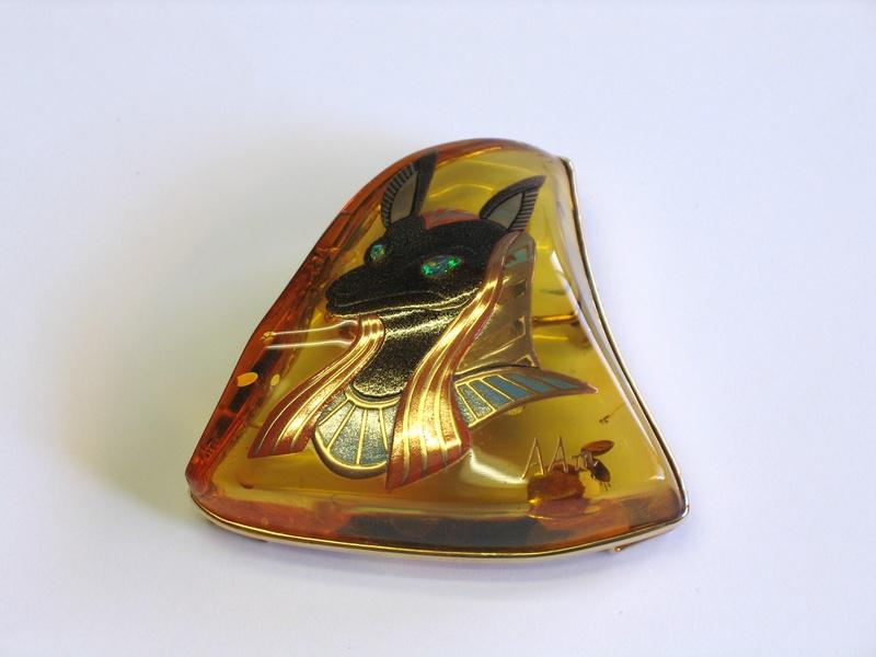 "Photo1: Brooch ""Anubis"" Maki-e(Makie) Japanese Jewelry Amber #H5 (1)"