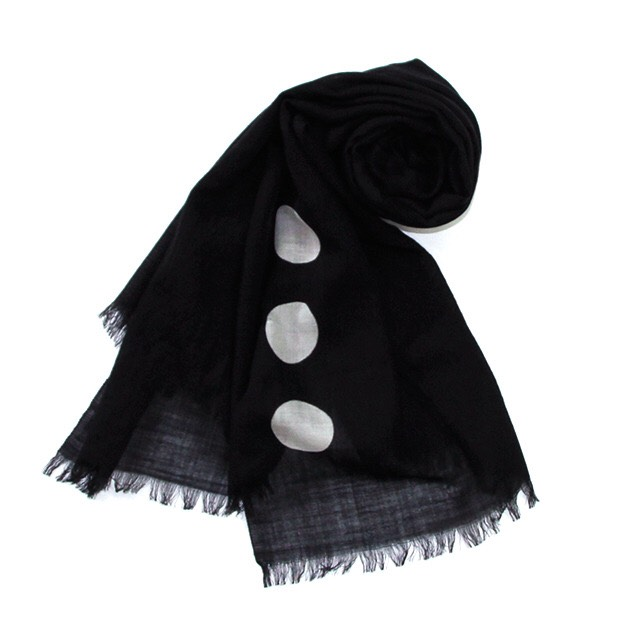 "Photo1: Stole ""Crest"" dyed in black Japanese traditional Black dyeing Handmade, Enshu, Japan (1)"